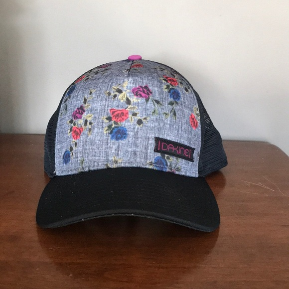 6598638ac40 Dakine Accessories - DAKINE women s trucker baseball hat